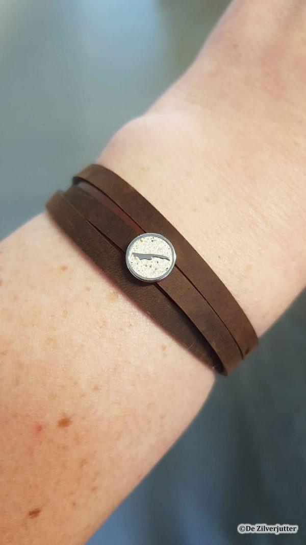 DUR-A1636-199 Bruin leren armband met Strandzand Vlieland-2