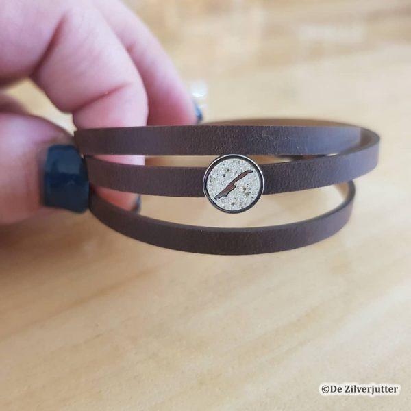 DUR-A1636-199 Bruin leren armband met Strandzand Vlieland