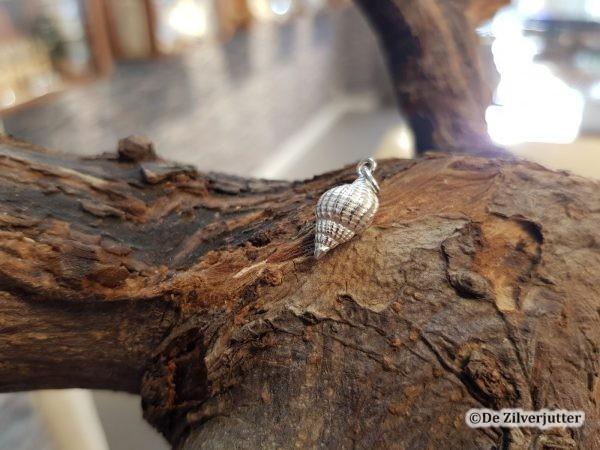 Zilveren gevlochten fuikhoren hanger