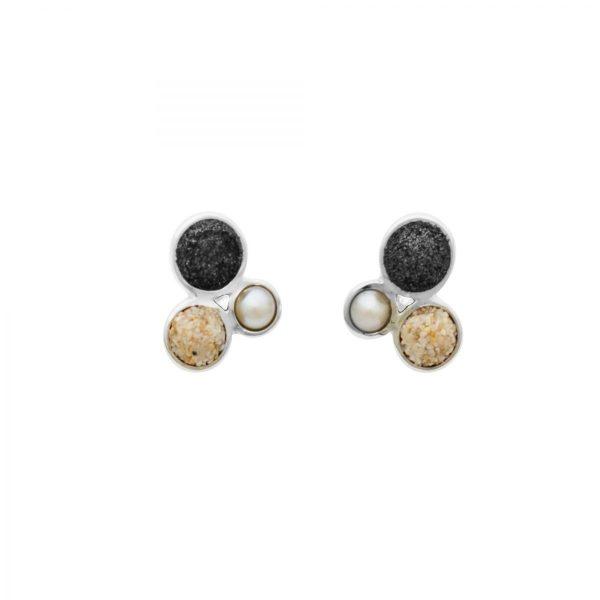 "O4847 Zilveren Oorbelen-stekers ""boei"" bolletjes gevuld met lavazand, zeezand en een parel - Zilverjutter"