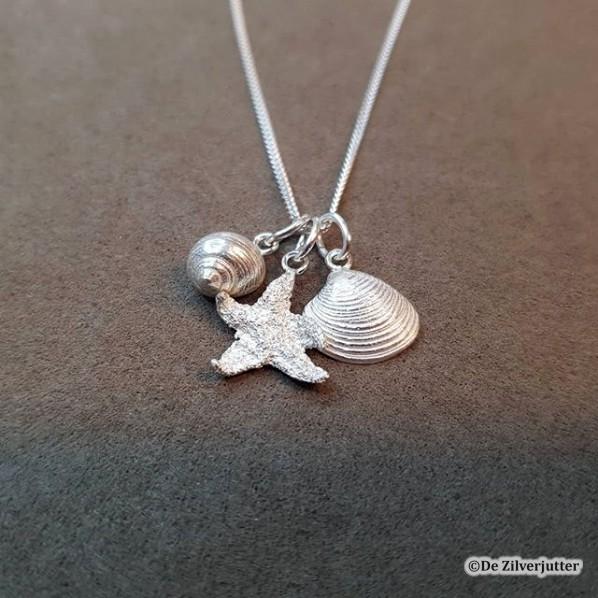 Combi-01_schelpenhangers alikruik-zeester-venusschelp met ketting